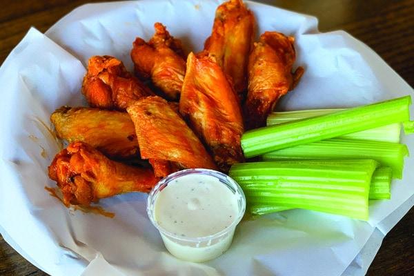 Buffalo-Wings-Pub-Food